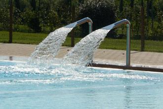 Giochi d 39 acqua per le piscine episcina store online di - Scalda acqua per piscina ...